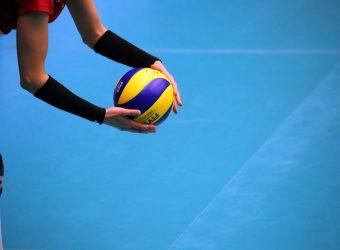siatkówka, piłka do siatkówki, mikasa, siatkarz, boisko, ochraniacze