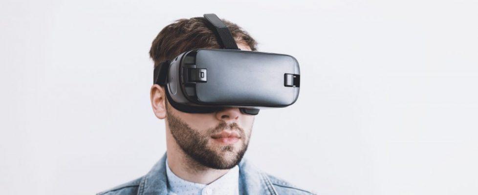 mężczyzna, google wirtualna rzeczywistość, okulary