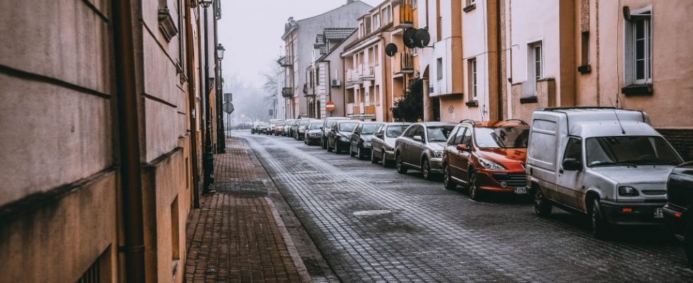 miasto, kamienice, samochody, ulica, kostka brukowa