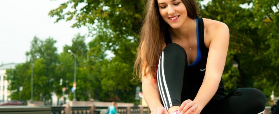 wiosna, kobieta, dziewczyna, sport, bieganie, strój sportowy